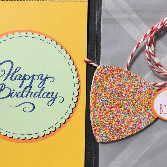 Ausschnitt Happy Birthday-Set, Fliege, Karte etc.