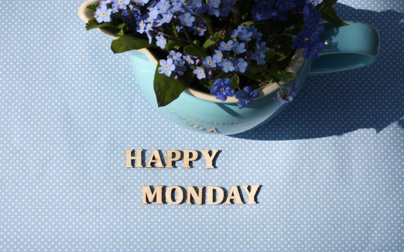 Happy Monday Holzschriftzug