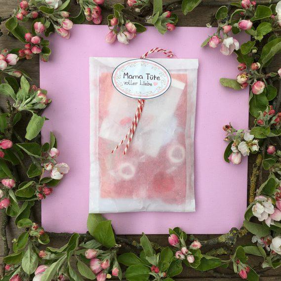 Mama-Tüte voller Liebe, Wundertüte, Apfelblüten als Rahmen, transparente Wundertüte, Geschenkidee Mama-Tüte