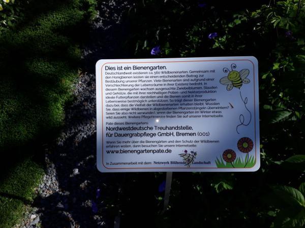 Schild Bienengarten, Landesgartenschau Bad Iburg 2018, Bienenrettung, Information über Bienensterben, Toll veranschaulicht, Ausflugsziel, Draussenzeit