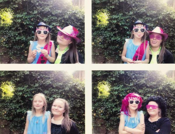 Geburtstagsfotos, 2 Mädchen, verkleidet, Spaßfotos, Soulsisters