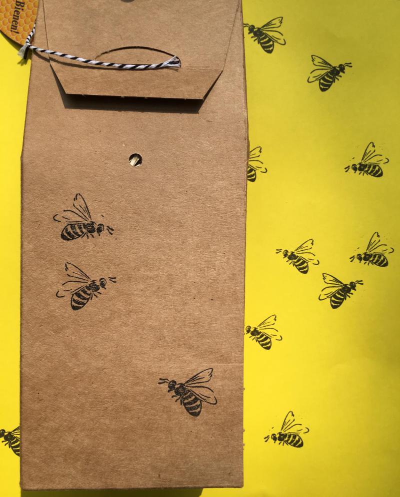 Wunderle Wildbienenhotel Rückseite, Naturschutz, Artenschutz, Bienenrettung, Herzensangelegenheit