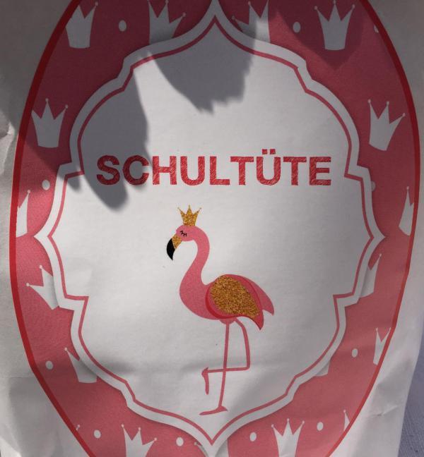 Wunderle Flamingo Schultüte, Detail Aufkleber, Schule kann beginnen, I-Männchen