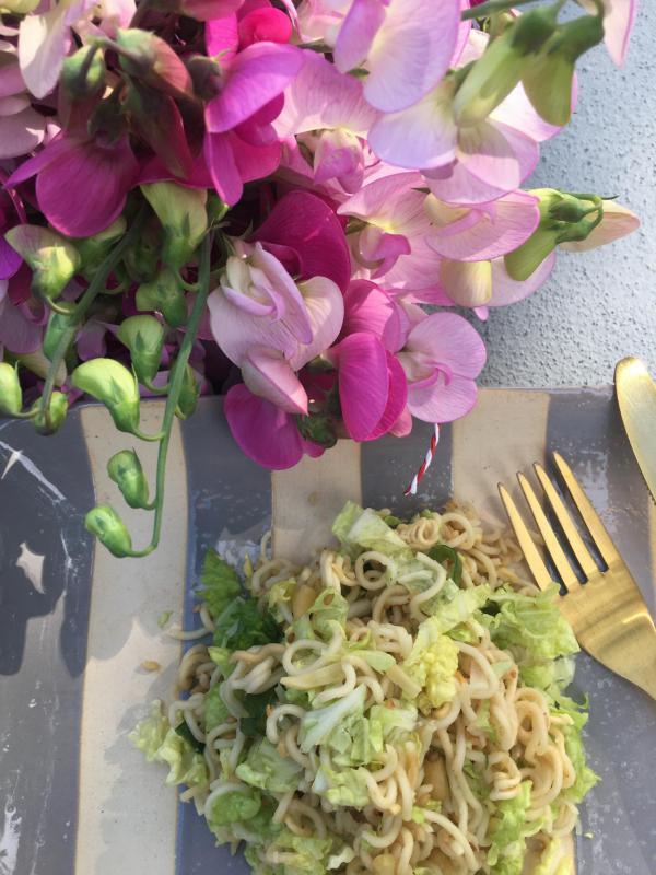 Mie-Nudelsalat, lecker, Buffetmitbringsel, Sommeressen, Wicken, la vie en rose