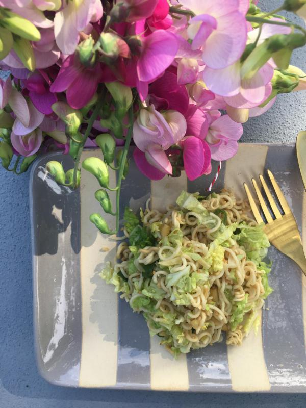 Mie-Nudelsalat, lecker, Salat, Grillbeilage, Sommeressen, Buffetmitbringsel