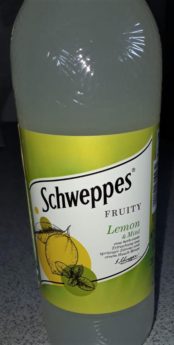 Schweppes Lemon, Zutat, lecker, Erfrischung, für heiße Tage