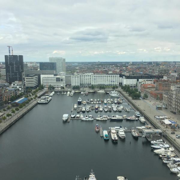 Antwerpen, Blick von Dachterrasse MAS, Boote