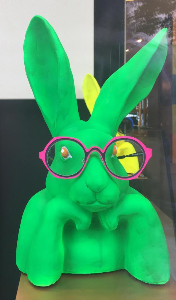 Hase, Brille, Schaufensterdeko, Antwerpen, Hingucker