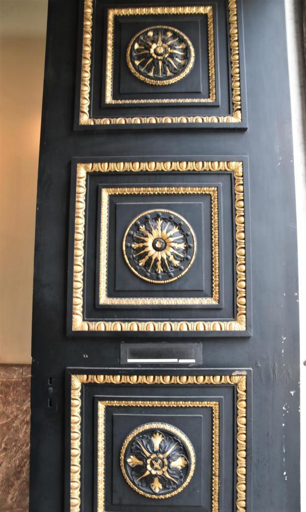 Tür, schwarze Tür, gold abgesetzt, Antwerpen, City trip, Kurzausflug