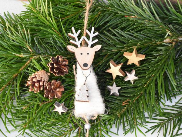 Hirschanhänger, Sterne, Zapfen, Weihnachtsdekoration, Geweihnachten, Inhalt Wundertuete