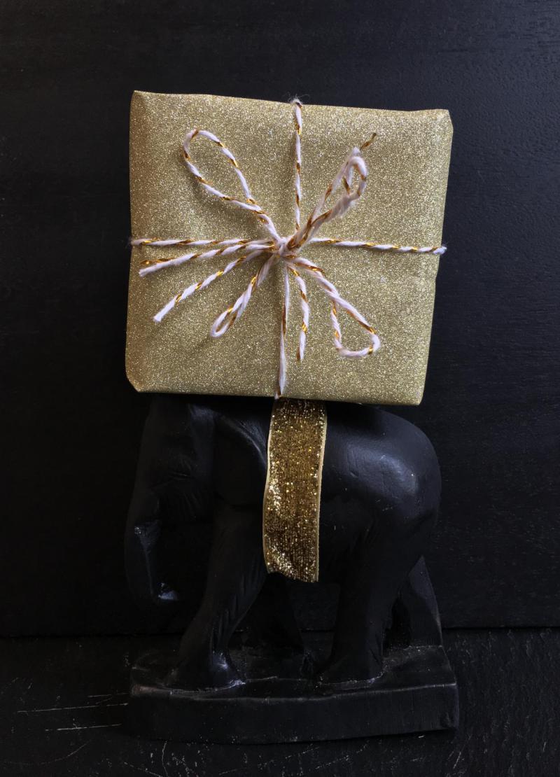 Elefant, Geschenk, kaum zu tragen, gigantisch