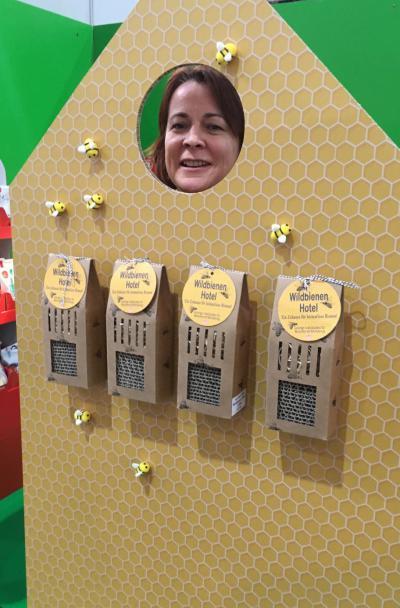Messestand, Me, Save the bees, Bienenrettung, Wildbienenhotel, Selfie