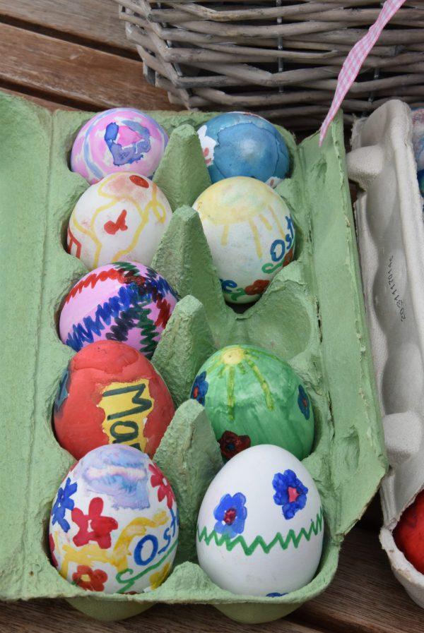 Ostereier, Ostern, Frühling, bunt bemalte Eier