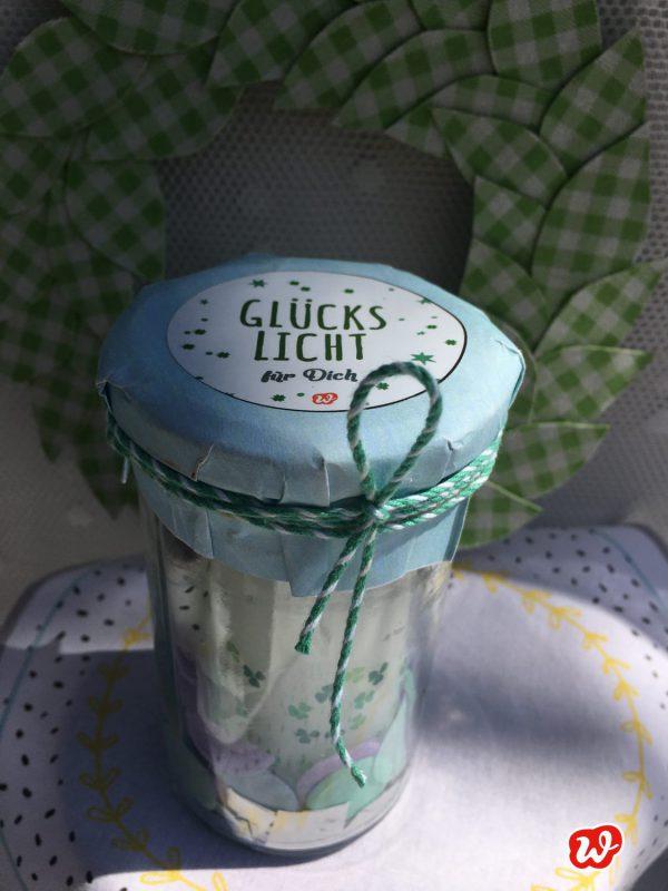 Glück im Glas, Wunderle; Glückslicht, Geschenk, gefertigt in Werkstätten für behinderte Menschen, Stimmung, Kerze