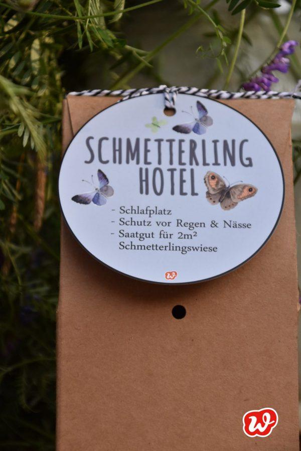 Schmetterlinghotel, Hang Tag, Insektenrettung, save the butterflies, insektenfreundliche Gärten, Geschenk, Geschenkideen, gefertigt in Werkstätten für Menschen mit Behinderung, Kleinigkeit, Mitbringsel