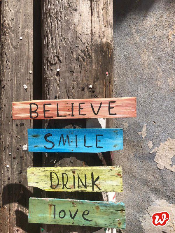 Holzschilder, Urlaub, Sommer, Leichtigkeit, Lässigkeit, Lettering, Quote