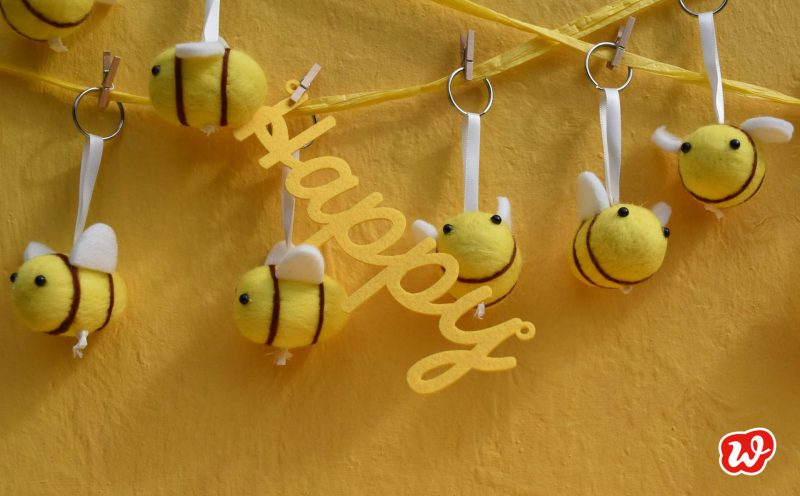 Bee happy, Filzbienen, Bienenrettung, save the bees, Bienenanhänger