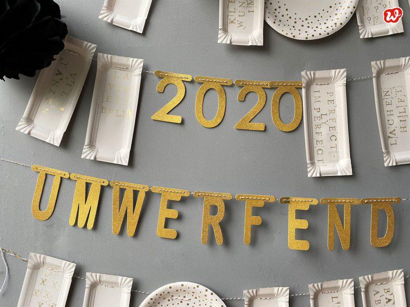 DIY Girlanden Wurstpappen bestempelt und goldene Buchstaben