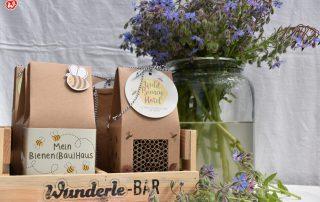 Borretsch neben Wunderle-Bar mit Bienenprodukten