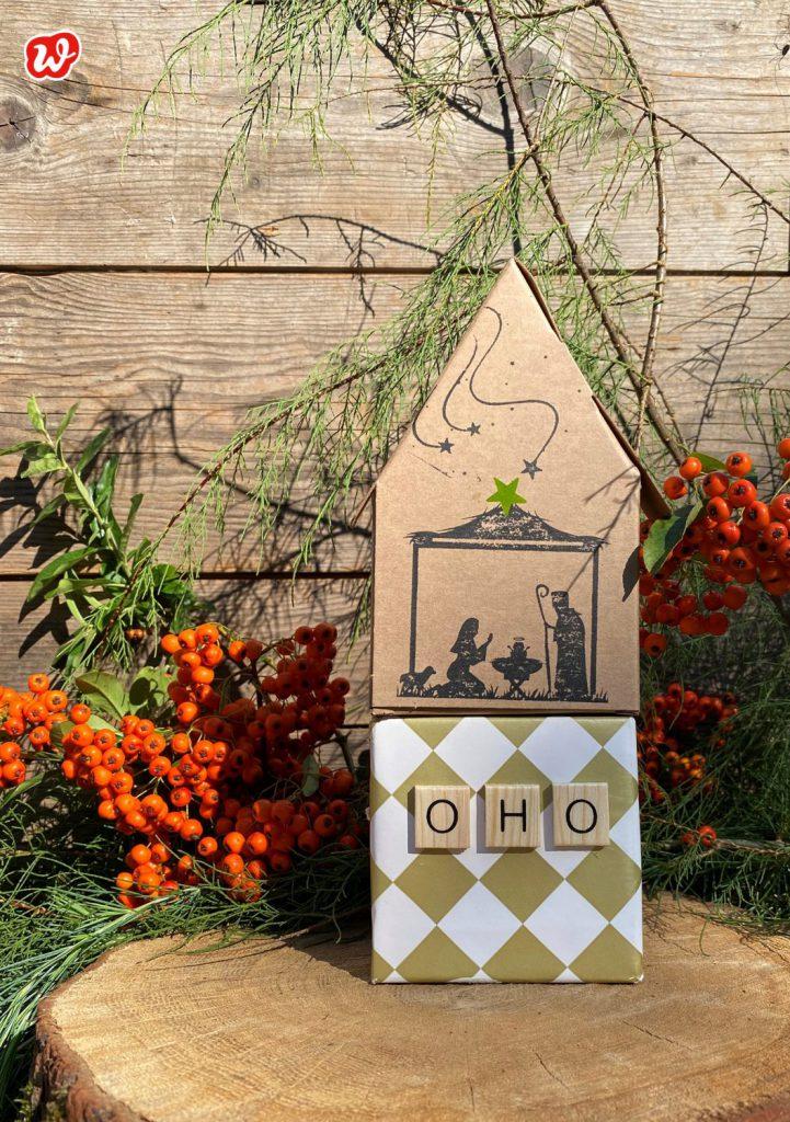 Kleine Weihnachtskrippe Papphaus auf Oho Geschenk
