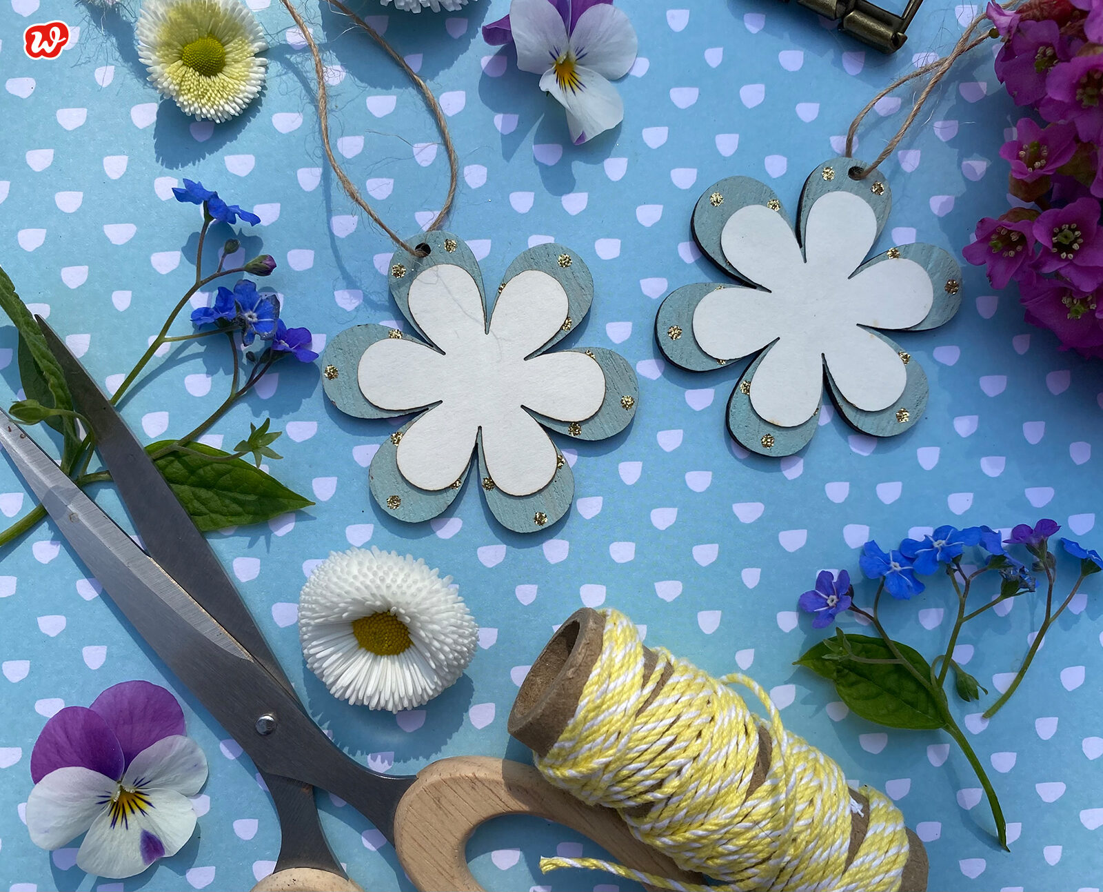 Holzblumen Flatlay
